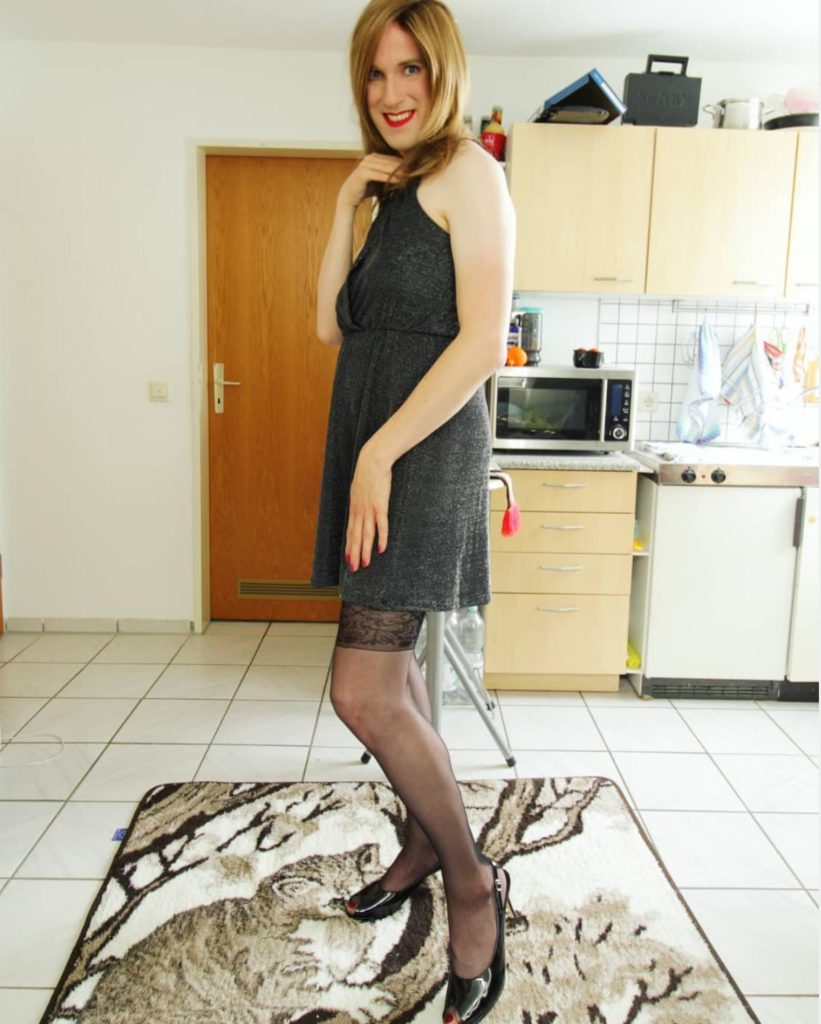 crossdresser Laura in high heels
