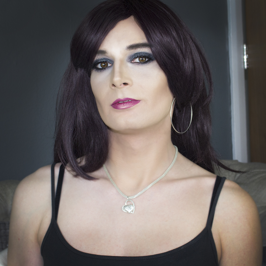Makeup for crossdressers