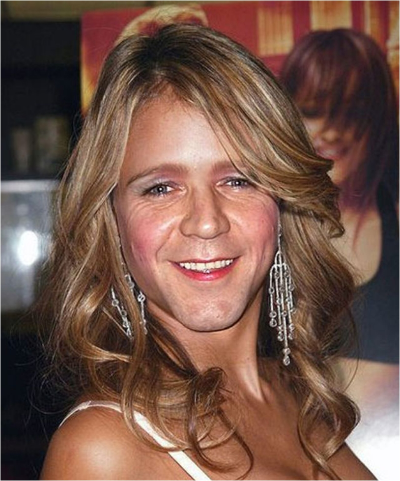 Russell Crowe as woman