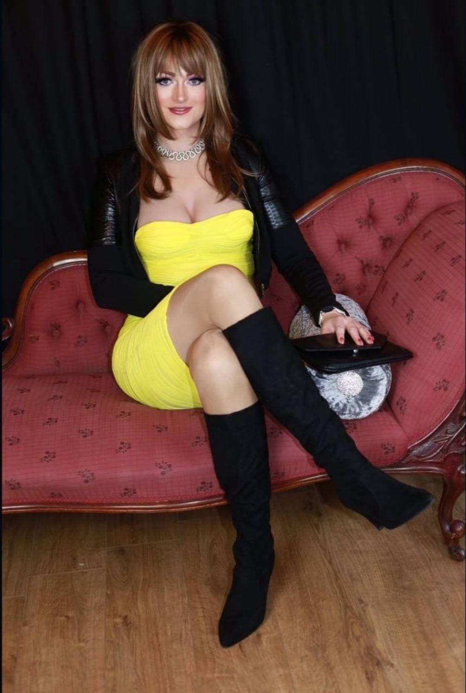 NICOLE B - Crossdresser Profile
