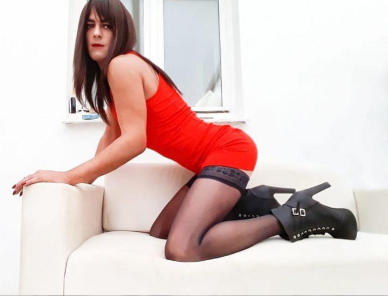 Crossdresser Neyla
