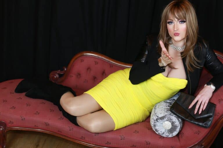 Nicole Crossdresser