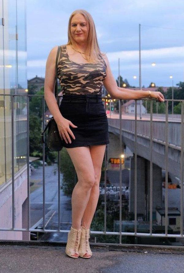 Sandra crossdressing in public in mini skirt