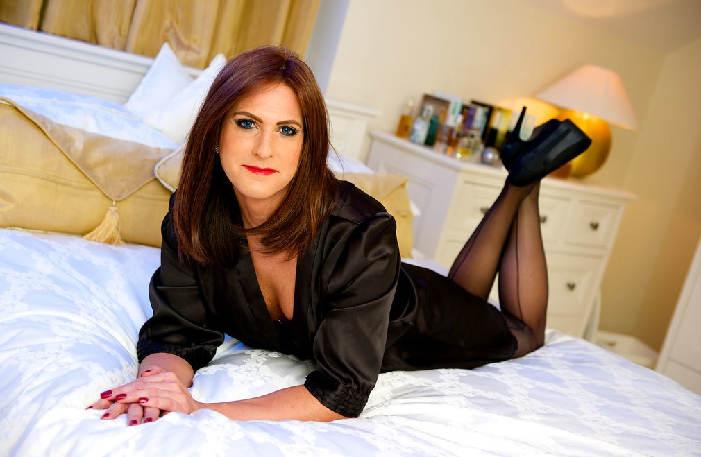 Femesque Crossdressing Services in UK