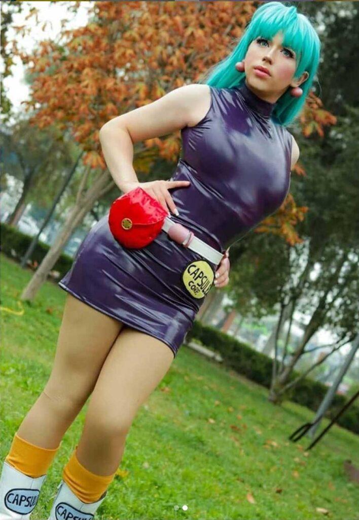Cosplaying as Bulma from Dragon Ball Z