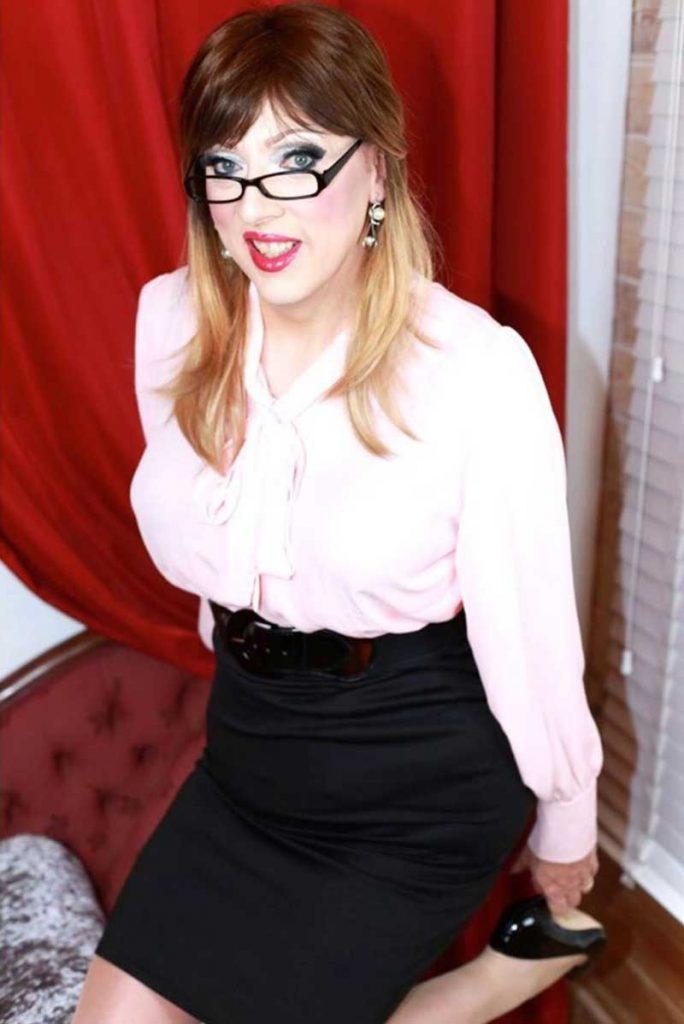 Crossdresser Sarah Lewis