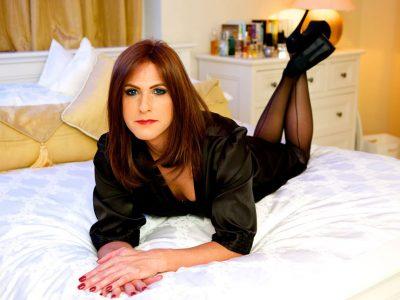 Crossdresser Holly Jones