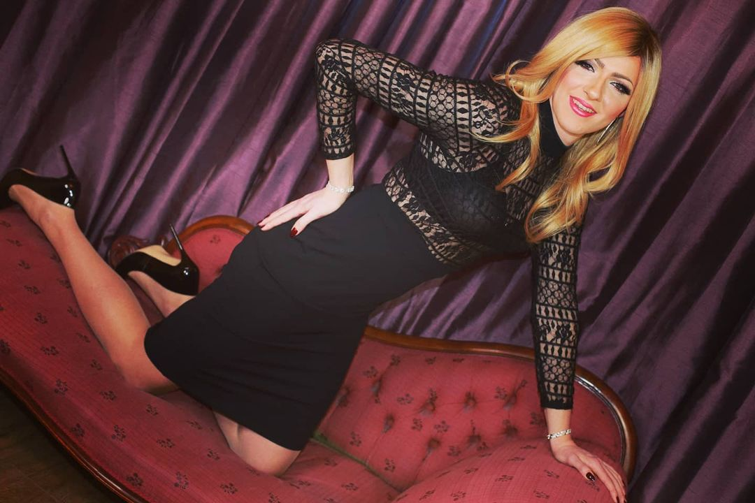 Crossdresser Rosanna in lace dress
