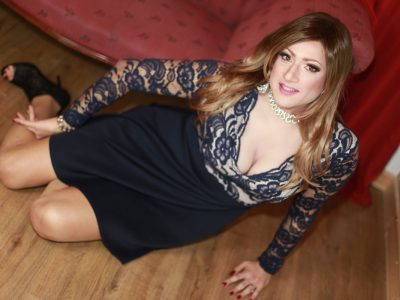 Crossdresser Klaudia Jones - Covergirl