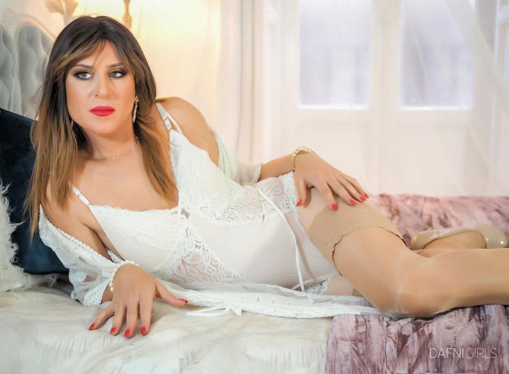 Beautiful crossdresser Divina Flor
