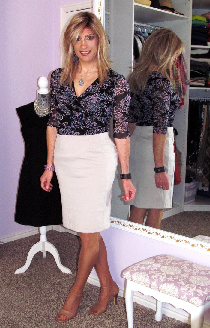Heidi Phox crossdressing in white skirt