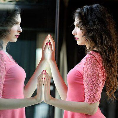 How to Look More Feminine When Crossdressing