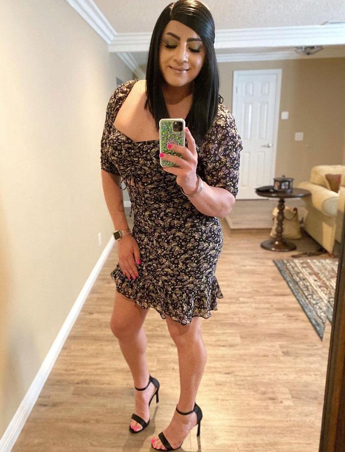 Crossdresser Adriana in elegant dress