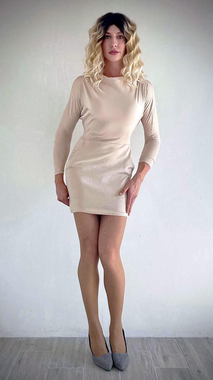 Crossdresser Svetlana in full sleeve bodycon dress