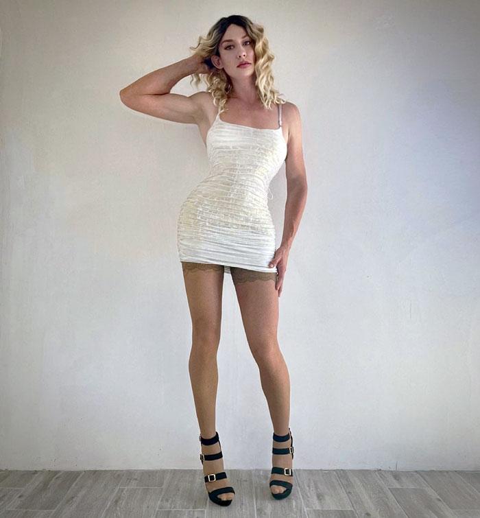 Beautiful crossdresser Svetlana