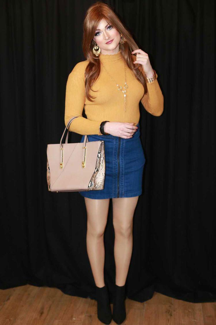 Crossdresser Nicole in denim skirt
