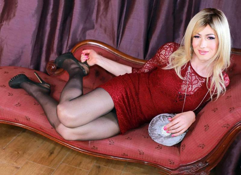 Gorgeous crossdresser from UK