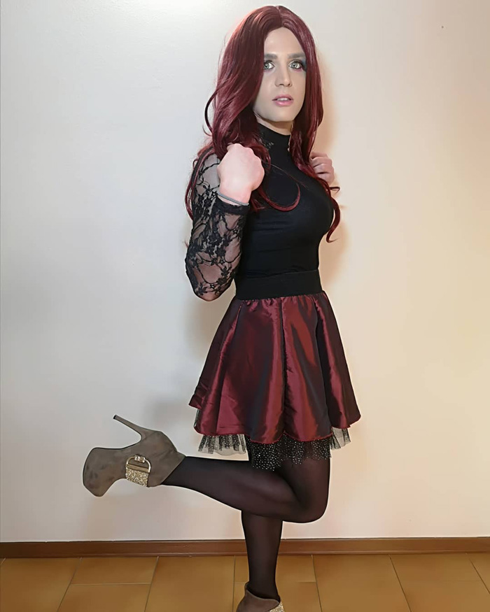 Gorgeous crossdresser Jennifer in party dress